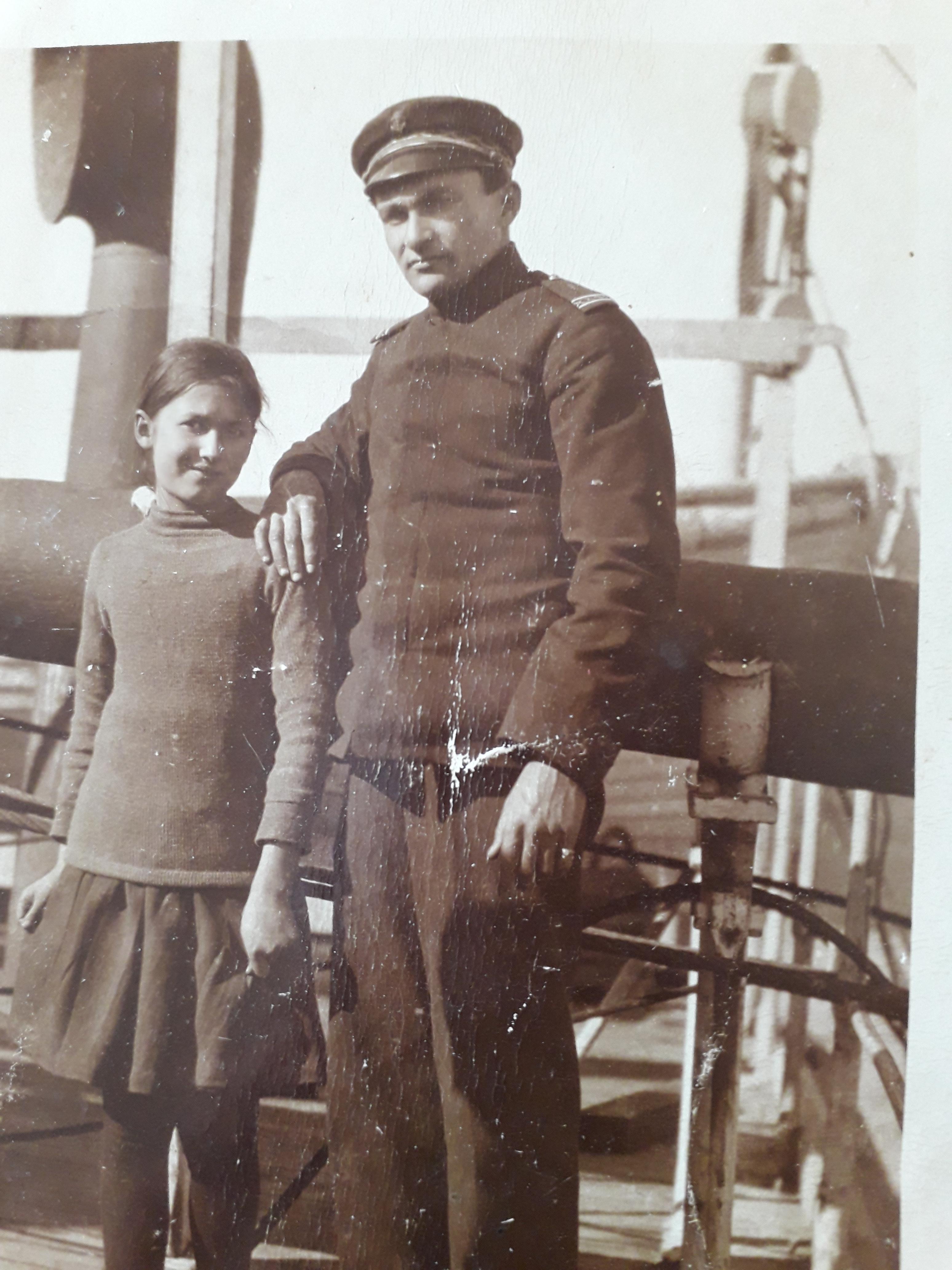 Alexandra PEMOFF enfant à bord du RION