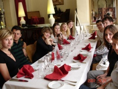 repas étudiants russes à Sortipiani